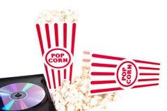 Popcorn e un film Immagine Stock
