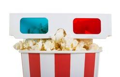 Popcorn e vetri 3D, isolati Fotografia Stock Libera da Diritti
