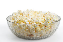 Popcorn in een glaskom Stock Foto's