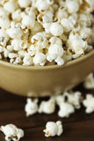 Popcorn in een kom Royalty-vrije Stock Foto's