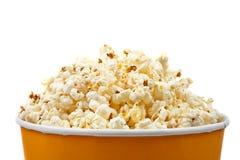 Popcorn in einer Wanne lizenzfreies stockbild