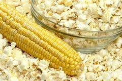 Popcorn en graan royalty-vrije stock foto