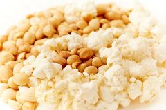 Popcorn and groundnut, Nigerian yin yang Stock Photo