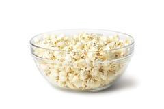 Popcorn i den glass bunken Fotografering för Bildbyråer