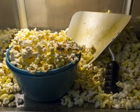 Popcorn i en bunke Fotografering för Bildbyråer