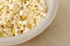 Popcorn leggermente imburrato Immagini Stock