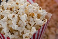 Popcorn med 4th det juli temat Royaltyfri Foto