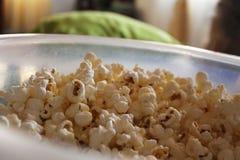 Popcorn och filmer Arkivfoto