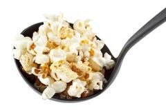 Popcorn op lepel Royalty-vrije Stock Foto's