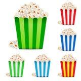 Popcorn in pacchetti a strisce multi-colored Immagine Stock