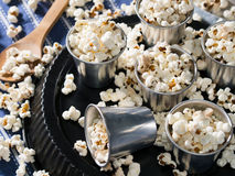 Popcorn per un partito Immagini Stock