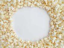 Popcorn-Rahmen um weißen Kreis Lizenzfreie Stockbilder