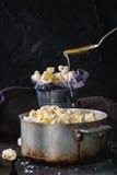 Popcorn salato pronto Fotografia Stock Libera da Diritti