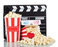 Popcorn in scatole e rovesciato, macchine per fare i popcorn del partito, 3D vetri, cuore o Fotografia Stock Libera da Diritti