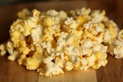 Popcorn schioccato Fotografia Stock Libera da Diritti