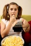 Popcorn teenager di cibo fotografie stock
