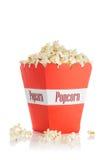 Popcorn in una scatola rossa Fotografia Stock