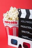 Popcorn, vetri 3D & clapperboard Immagine Stock Libera da Diritti