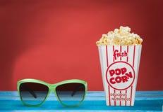 Popcornmat i ask och exponeringsglas 3d Royaltyfri Foto