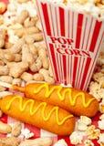 Popcornpinda's en Graanhonden Royalty-vrije Stock Fotografie