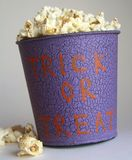 Popcorntrick oder -festlichkeit Lizenzfreies Stockfoto