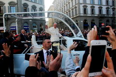 Pope Bergoglio Francesco in Florence Stock Images