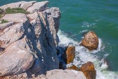 Popielata faleza nad morzem Zdjęcia Stock