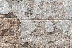 Popielata tekstura, stary odłupany tynk na betonowej ścianie, abstrakta beton, tło zdjęcie stock