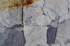 Popielata zmroku kamienia powierzchni tekstura z pęknięciami Denny wapień fotografia royalty free