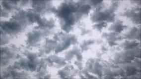 Popielaty niebo czasu upływ na sobota rano zdjęcie wideo