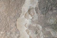 Popielaty tło, stary odłupany tynk na betonowej ścianie, tekstura obraz stock