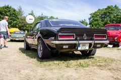 Popiera czarny klasyczny Chevrolet Camaro Fotografia Royalty Free