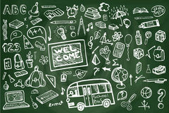 Popiera szkół dostaw chalkboard Szkicowi Doodles Obraz Royalty Free