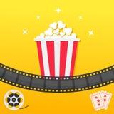 Popkornu pudełko pasek filmowego Dwa bileta przyznają jeden Film rolki Kinowa ikona ustawiająca w płaskim projekta stylu Wystrzał Fotografia Stock