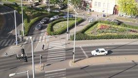 Popołudniowy ruch drogowy w mieście, Odgórnego widoku czasu upływ zbiory