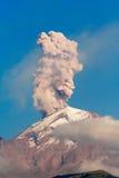 popocatepetl sob a erupção imagem de stock royalty free