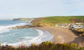 Popolare britannico del sud di Devon England della spiaggia di Challaborough per praticare il surfing vicino all'isola ed al Bigb Immagini Stock Libere da Diritti