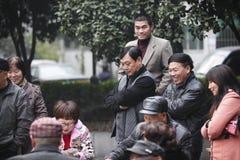 Popolo cinese che gioca a Hangzhou, Cina fotografie stock libere da diritti