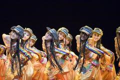 Popolo cinese di ballo di piega Immagine Stock