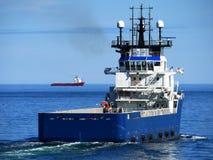 Poppa offshore della nave di rifornimento Fotografie Stock Libere da Diritti