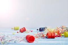 Poppers del partito su bianco fotografia stock