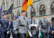 Poppy Parade die 100 jaar van Wereldoorlog I herdenken Stock Afbeeldingen