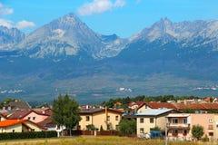 Poprad und hohe Tatras-Berge, Slowakei Lizenzfreies Stockfoto