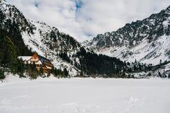 Popradske Pleso i höga Tatras, Slovakien Royaltyfri Bild