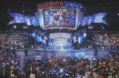Poprzednia Pierwszy dama Hillary Rodham Clinton kandydat dla Nowy Jork senata przy 2000 Demokratycznymi konwencjami przy Staples  Obrazy Royalty Free