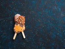 Popsicle Chia с сырцовыми тортом и шоколадом моркови стоковые изображения rf