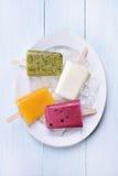 Popsicles мороженого плодоовощ Стоковая Фотография RF