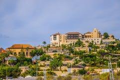 Populär canarian semesterort Playa de Las Americas i Tenerife, Canar Arkivbilder
