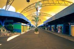 Populär marknad i staden av Campo den stora kallade Feira centralen arkivbild
