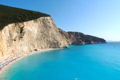 Populär strand i Lefkada, Grekland royaltyfria bilder